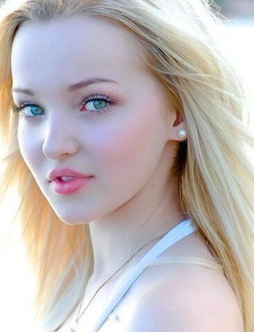 File:Dove Cameron pretty.jpg