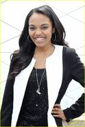 China-anne-mcclain-empire-state-building-visit-08