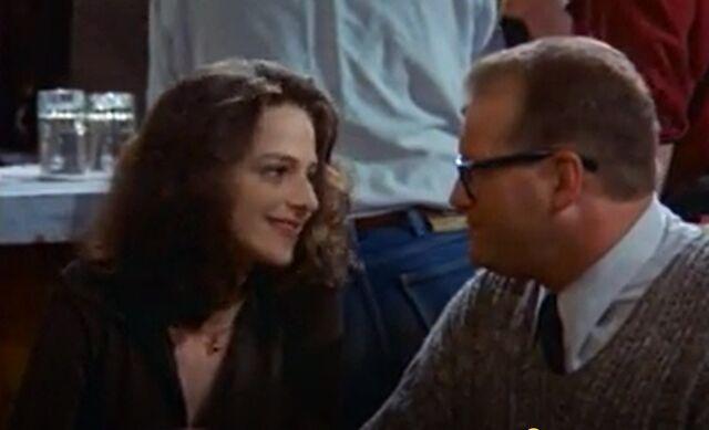 File:TDCS 1x2 Miss Right - Lisa and Drew begin dating.jpg