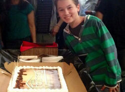 Hayden-byerly-the-fosters-set-birthday-cake-oct-12-2013-1