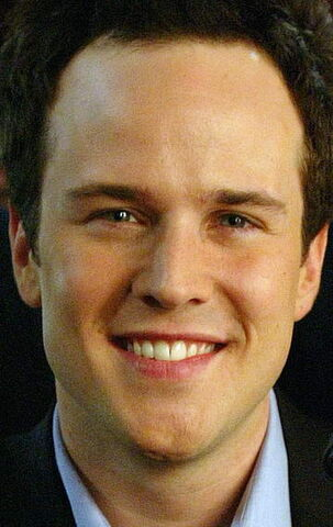 File:Scott Weinger.jpg