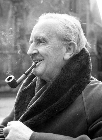 File:Tolkien.jpg