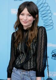 Emily browning-0