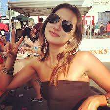 File:Tasya Teles Sunglasses.jpg