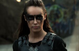 The100 S3 Watch The Thrones Lexa
