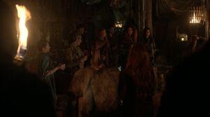 S3 episode 14 - Luna address the Boat clan