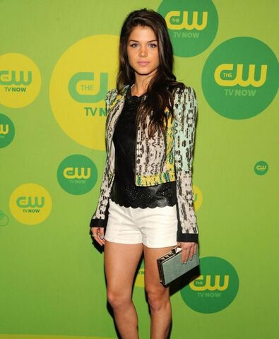 File:Marie-avgeropoulos-octavia-cw.jpg