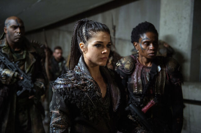 File:The 100 4x12 The Chosen - Octavia & Indra pic 1.jpg