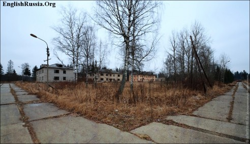 File:Ghost-town-russia-moscow09-492x284.jpg