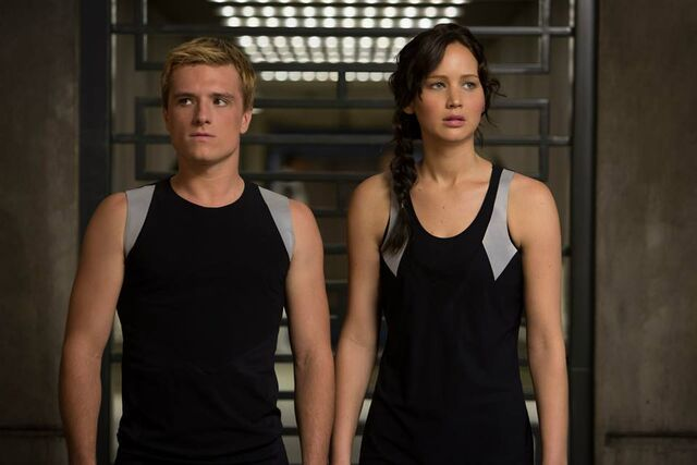File:Peeta-katniss-catching-fire training.jpg