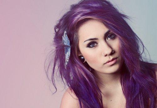 File:Beautiful-blue-eyes-girl-piercing-purple-hair-Favim-1.com-217348.jpg