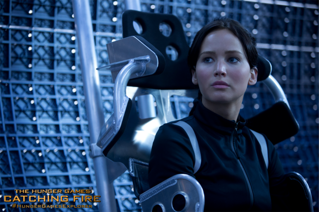 File:Katniss-movie2 wallapaper.png