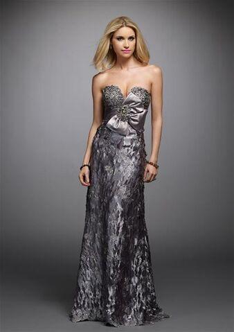 File:Sweetheart-beaded-long-A-line-evening-dress-1-.jpg