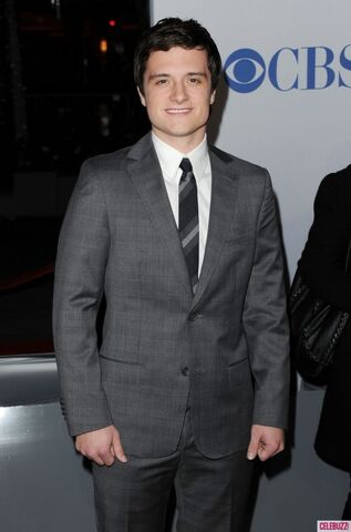 File:Josh-Hutcherson-at-2012-Peoples-Choice-Awards--600x908.jpeg
