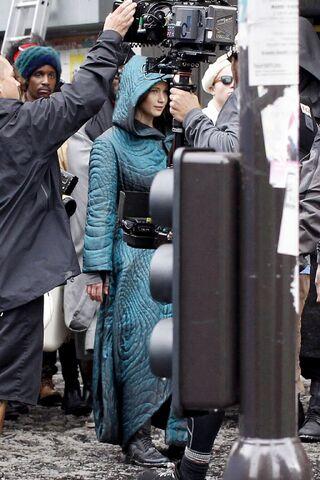 File:Jen on set of Mj HQ.jpeg