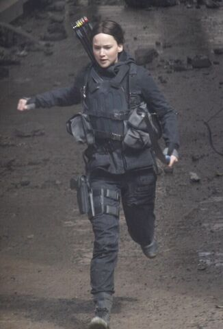 File:Katniss running.jpeg