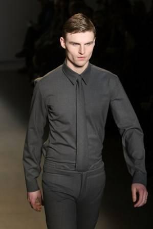 File:Shirt black.jpg