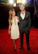 Miley-Cyrus-Liam-Hemsworth-Peoples-Choice-Awards