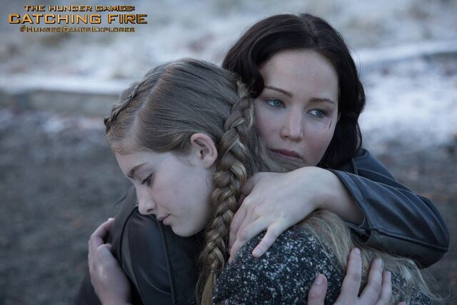 File:Katniss Prim Catching Fire.jpg