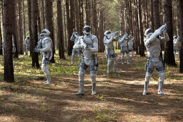 File:Mockingjay-peacekeepers.jpg