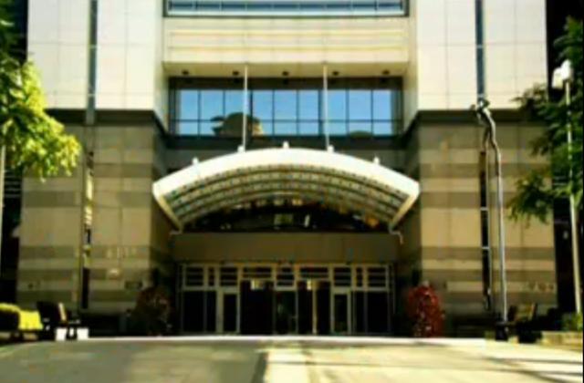 File:Reynholm entrance.png