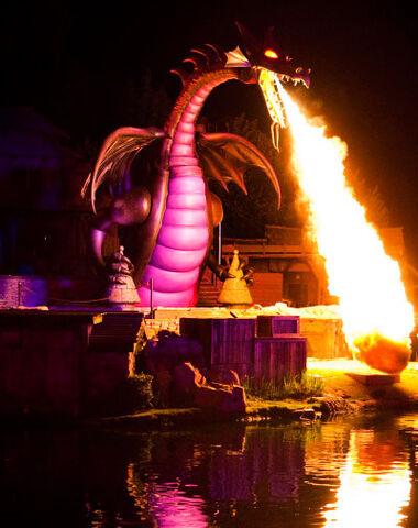 File:Disneyland-maleficent-dragon-400.jpg