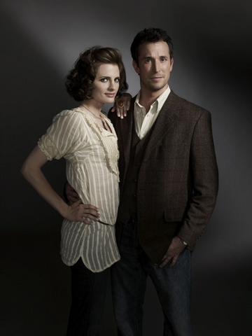 File:Flynn Carsen and Simone Renoir promotional.png