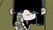 S1E21B Lucy shuffles the cards
