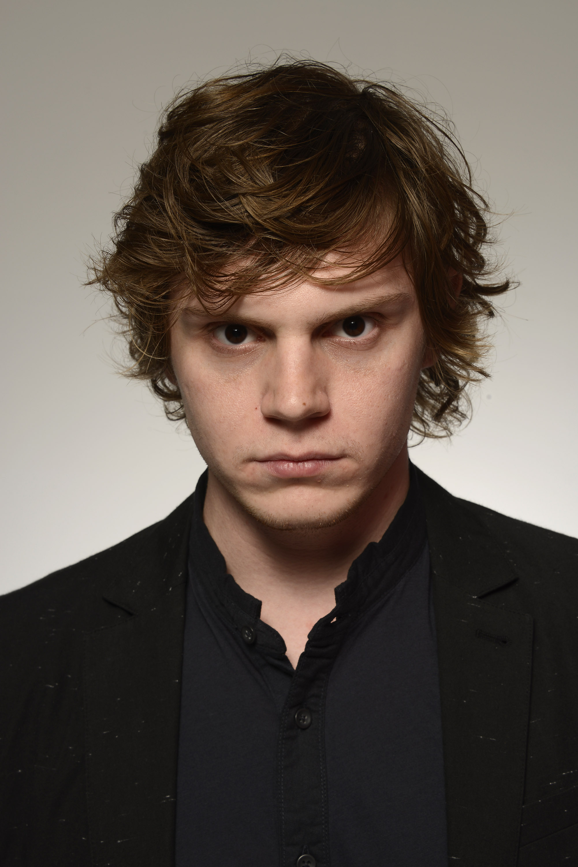 evan peters gif