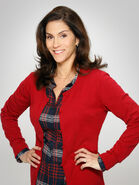The-neighbors-jami-gertz-1