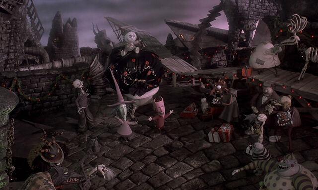 File:Nightmare-christmas-disneyscreencaps.com-5424.jpg
