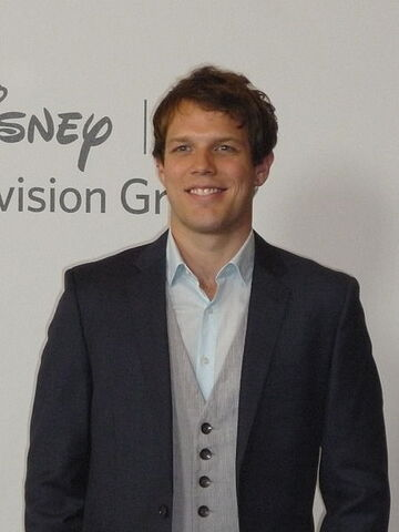 File:Jake Lacy.jpg