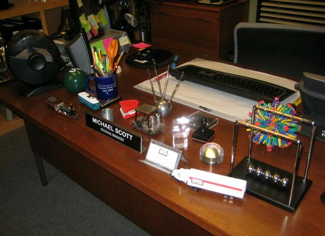 File:Michael'sDesk.jpg
