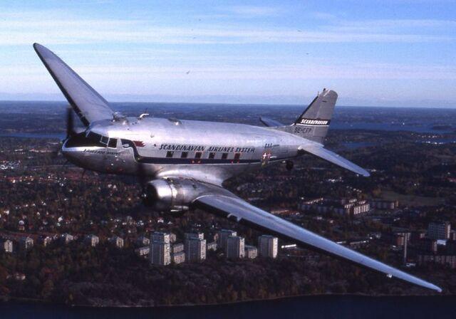 File:800px-Douglas DC-3, SE-CFP.jpg
