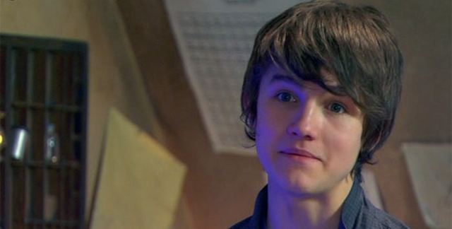 File:Tommy Knight as Luke Smith.png
