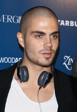 File:Max-George-x-the-wanted-33001878-250-363.png