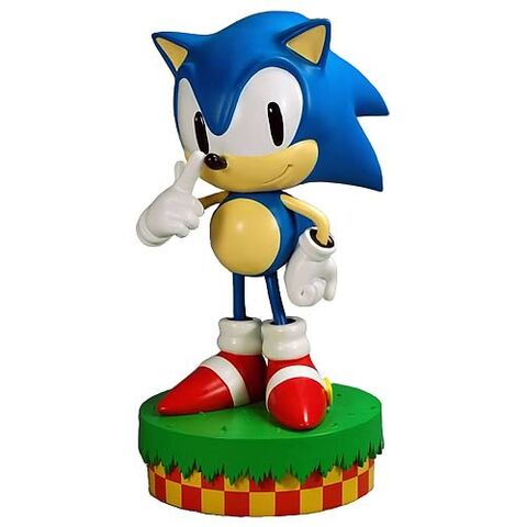File:264 sonic the hedgehog statue.jpg