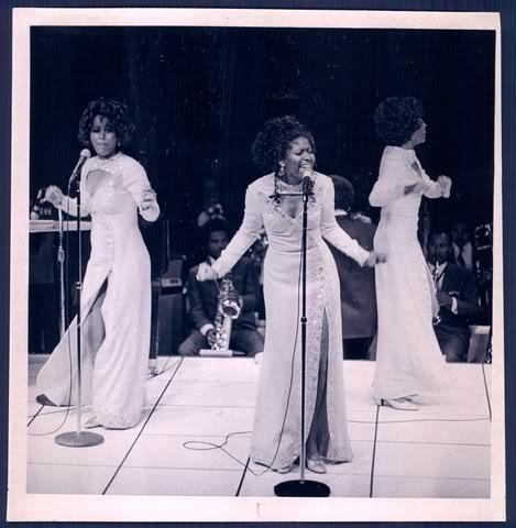 File:Supremes1971yellow.jpg