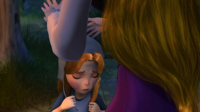 File:A sad Alise is Grieving for her father..jpg