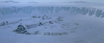 The men walk across the UFO (1) - The Thing (1982)