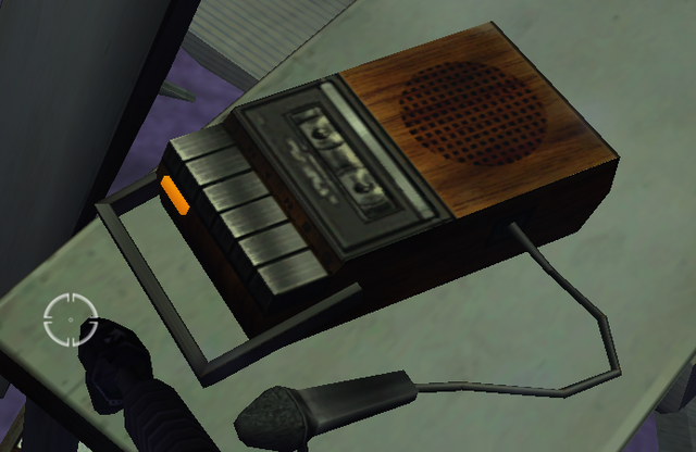 File:Mac's tapes - The Thing (2002).png