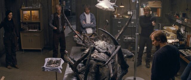 File:Autopsy on the original-thing - The Thing (2011).jpeg