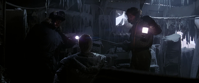 File:Discovery of the suicide victim - The Thing (1982).png
