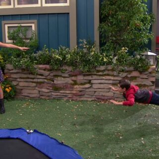 Phoebe saves Billy