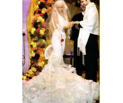 File:Christina Getting Married.jpg