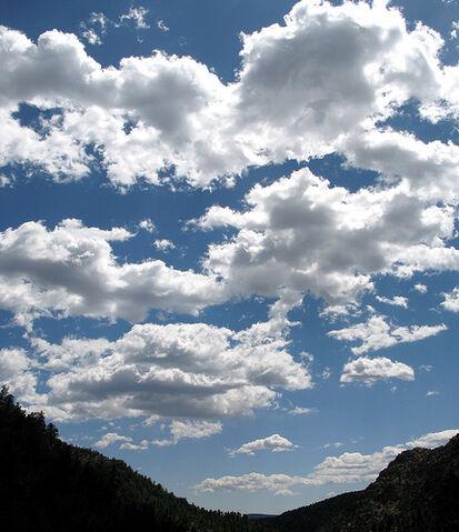 File:Bowl of clouds.jpg