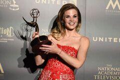Y&R Gina-Tognoni-2017-Daytime-Emmy-Awards-600x400
