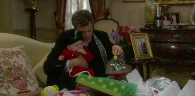 File:Delia's first christmas.png