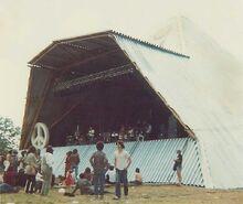 1981-06-21 Glasto81-stage-700