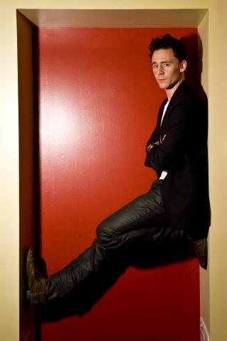 File:Tom-Hiddleston-tom-hiddleston-24997437-319-480.jpg